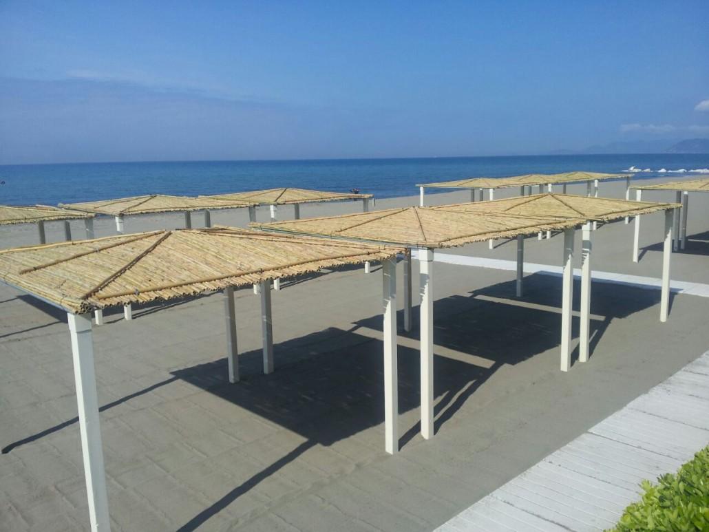 La spiaggia 2 bagno erika marina di massa - Bagno la cicala marina di massa ...
